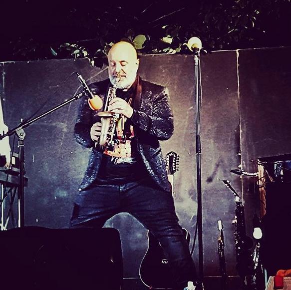 andrea-poltronieri-live-sax-performance